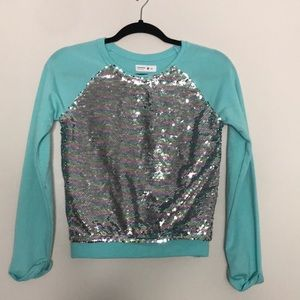 Girls mermaid/silver sequence top, some pilling